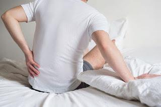 Bị đau lưng là dấu hiệu của bệnh nào?