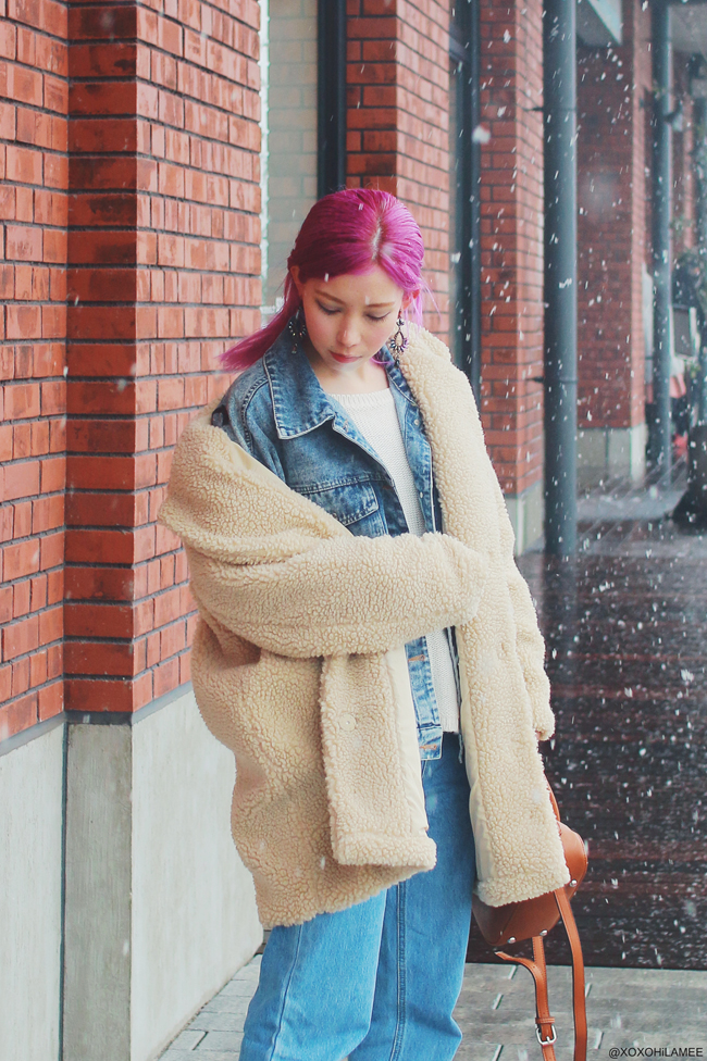 Japansese Fashion Blogger,MizuhoK20180321OOTD,ZARA-white knited sweater,SheIn-denim jacket,jeans,H&M-bear coat,earrings,,rag&bone-ivory boots,rakuten-triangle handbag