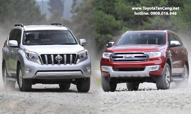 Ford Everest 2016 (phải) có xứng đáng làm đối thủ của Land Prado 2016 ?