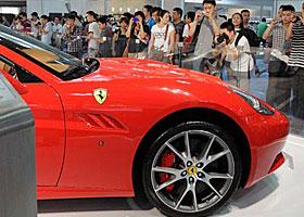 6ead0fdb83348 أكد تقرير صدر مؤخراً عن عملاق السيارات الرياضية، فيراري، أن الشركة بصدد  إطلاق سيارتها الأسرع على الإطلاق، تحت اسم إف 12 بيرلينيتا