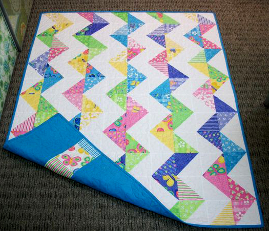 Super Zig Zag Quilt designed by Monica Solorio-Snow of Happy Zombie