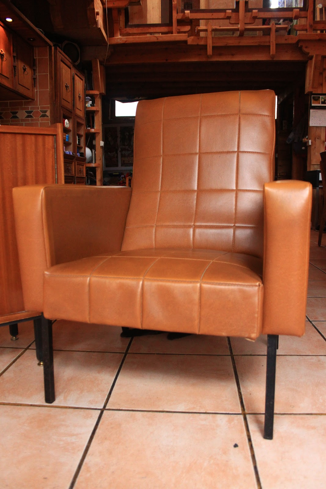 chicbaazar objets vintage 50 60 70 fauteuil ska caramel. Black Bedroom Furniture Sets. Home Design Ideas
