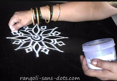 rangoli-in-steps-1a.jpg