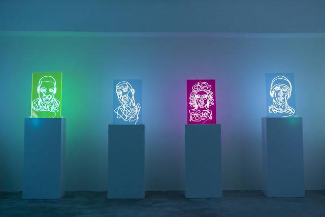 rapperi neon-poze
