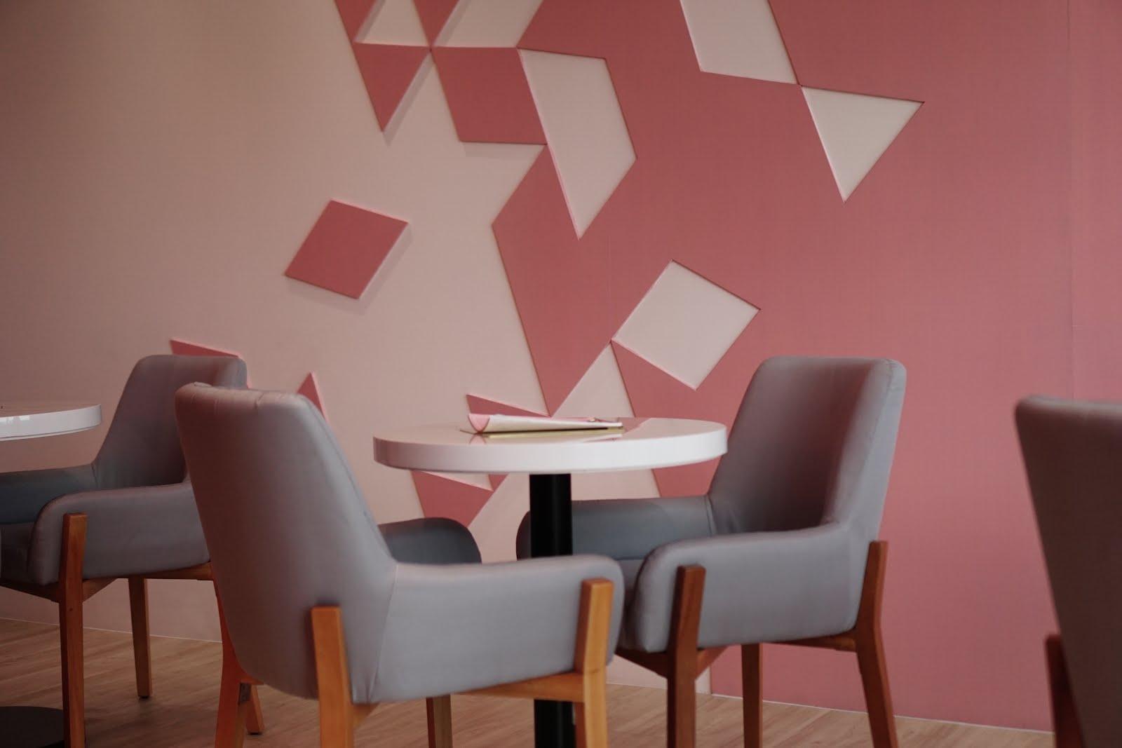 522ef3addec Seoul Cafe Vibe) New Pink Cafe - So Fashion Cafe Jakarta - Stevie Wong