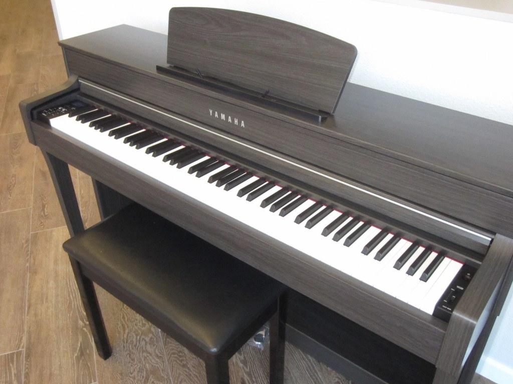 az piano reviews review yamaha clp635 clp645 clp665gp. Black Bedroom Furniture Sets. Home Design Ideas