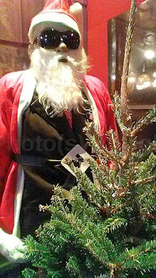 Photo(s) by Jglo - 'Jazz Santa'