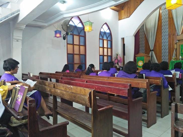 Anggota Satgas TMMD Kodim Kerinci Laksanakan  Ibadah Kebaktian