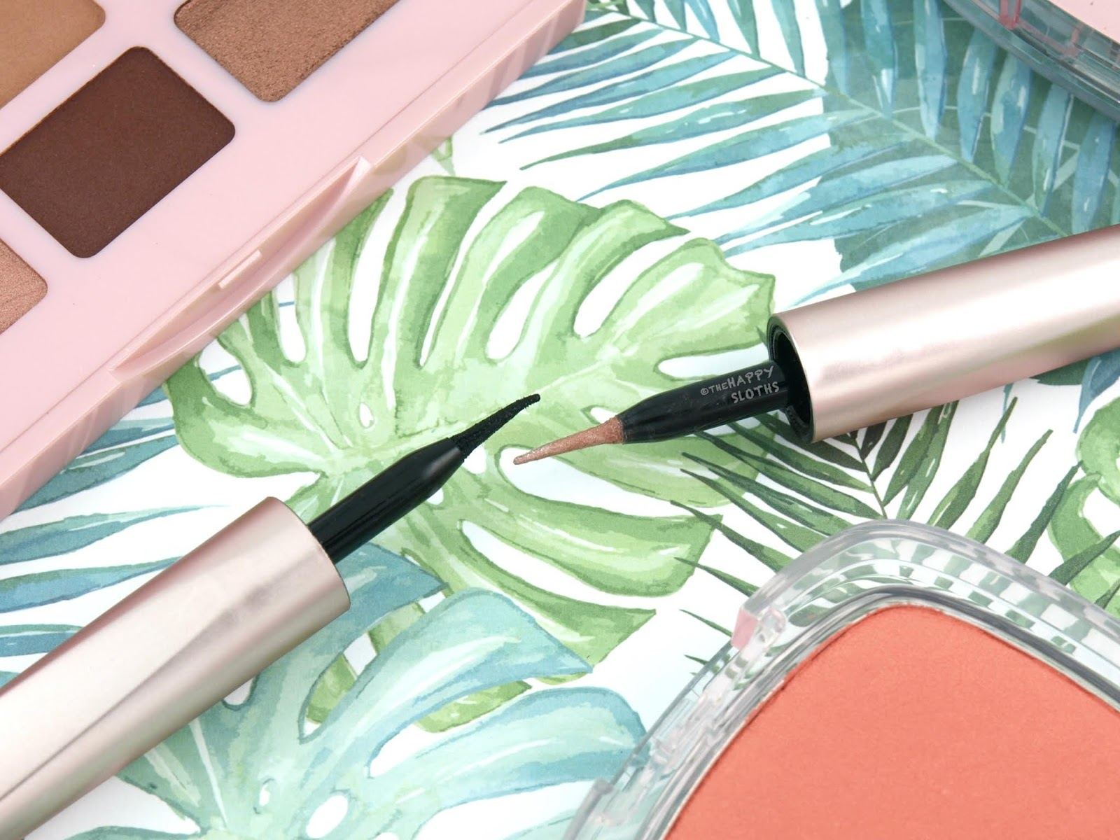 L'Oreal | Voluminous Lash Paradise Liquid Eyeliner: Review and Swatches