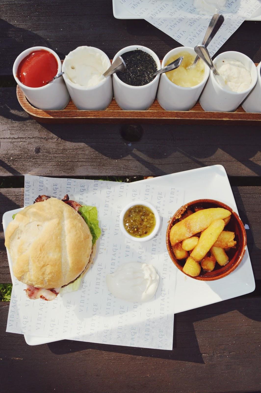 lifestyle bloggers, FashionFake, Hampshire country pub