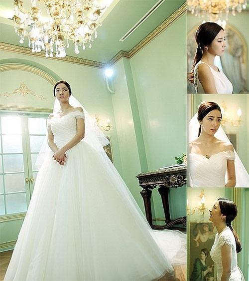 130514 Shin Se Kyung Stuns In Wedding Dresses For 'When A