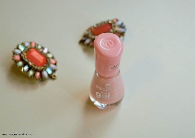 Essence nail polish sweet as a candy