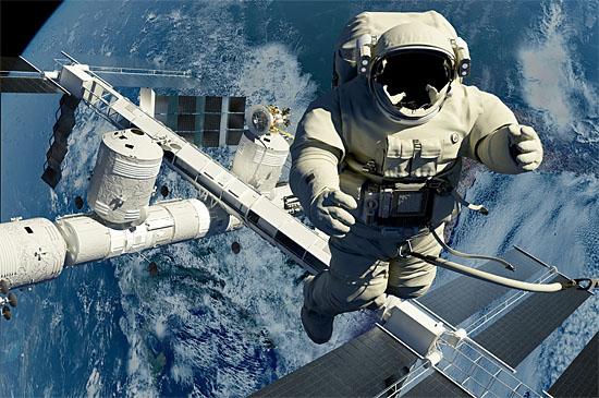 Morte no Espaço - A NASA tem um plano pra isso - Img1