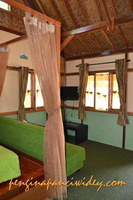Berwisata dan menginap di cottage kawah putih dari tuban