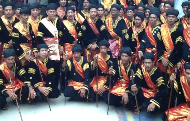 Baju Adat Pria Minangkabau