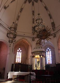 Interior de la catedral de la Dalt Vila de Ibiza