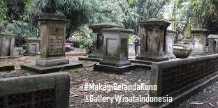 Makam Belanda Kuno | Kebun Raya Bogor