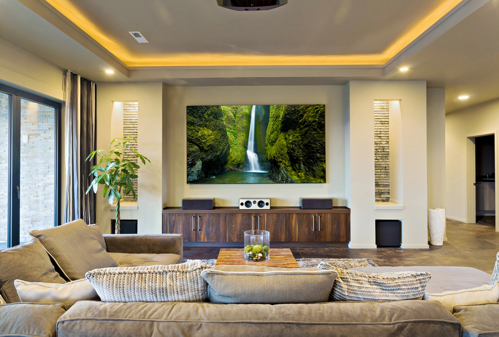 How To Decorate A Living Room With Projector Screen