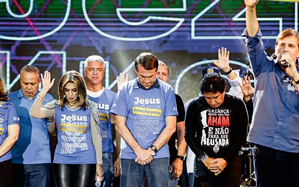 Bolsonaro e Magno Malta na Marcha para Jesus, em Maio