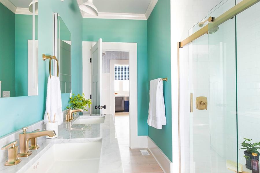 Niebieskie szaleństwo - metamorfoza całego domu, wystrój wnętrz, wnętrza, urządzanie mieszkania, dom, home decor, dekoracje, aranżacje, niebieski, blue, before and after, łazienka, bathroom