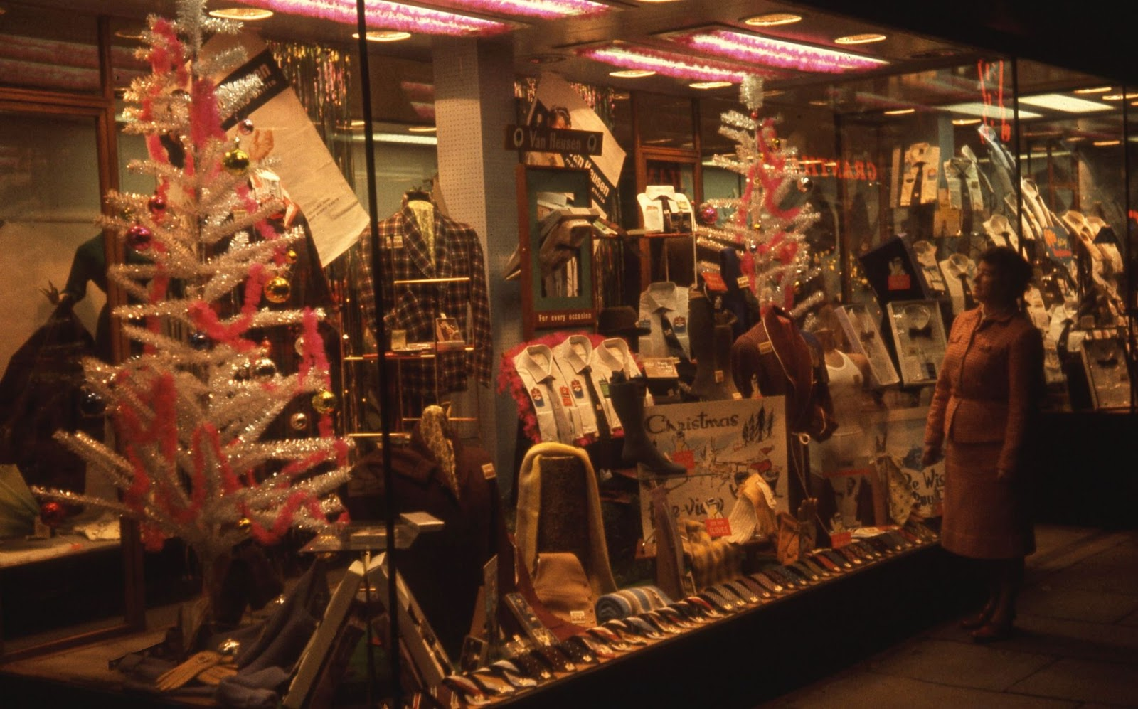 Wonderful Photos Of Christmas Shop Fronts In Newcastle