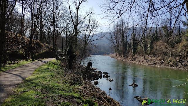 Río Nalón por el paseo fluvial