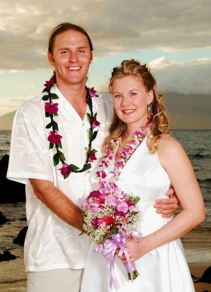Frizzy Relaxing Articles Spa: Tradisi Kalung Bunga Hawaii