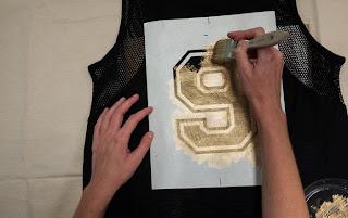 Bluza Yaldızlı Rakam Süslemesi Yapımı