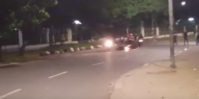 Beredar Video Viral Aksi Brutal Geng Motor di Lenteng Agung, Jagakarsa. Polisi: Peristiwa terjadi Februari 2017