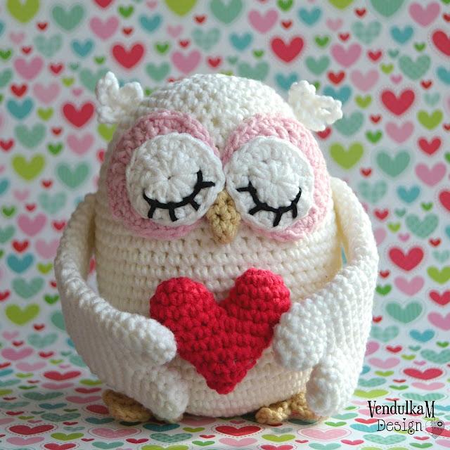 Crochet Valentine's Owl - crochet pattern by Vendula Maderska