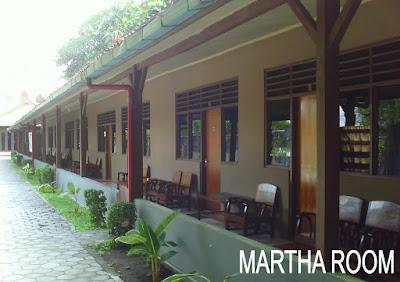 Wisma Martha Mempunyai Beberapa Kamar Yang Sangat Luas Dapat Di Isi Sampai 6 Orang Walaupun Penginapan Murah Semua Memiliki