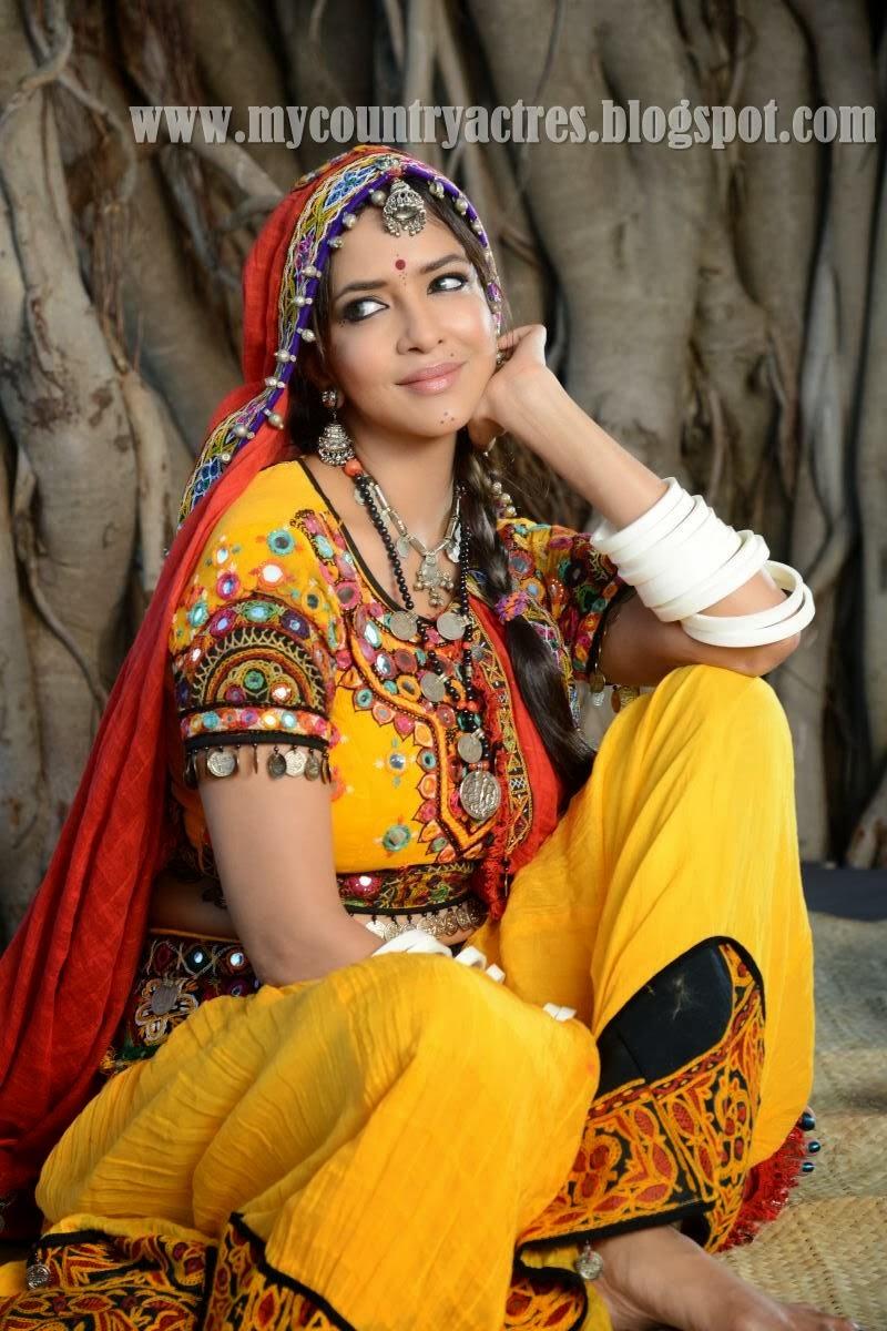 manchu lakshmi in lambadi dress in a movie shooting