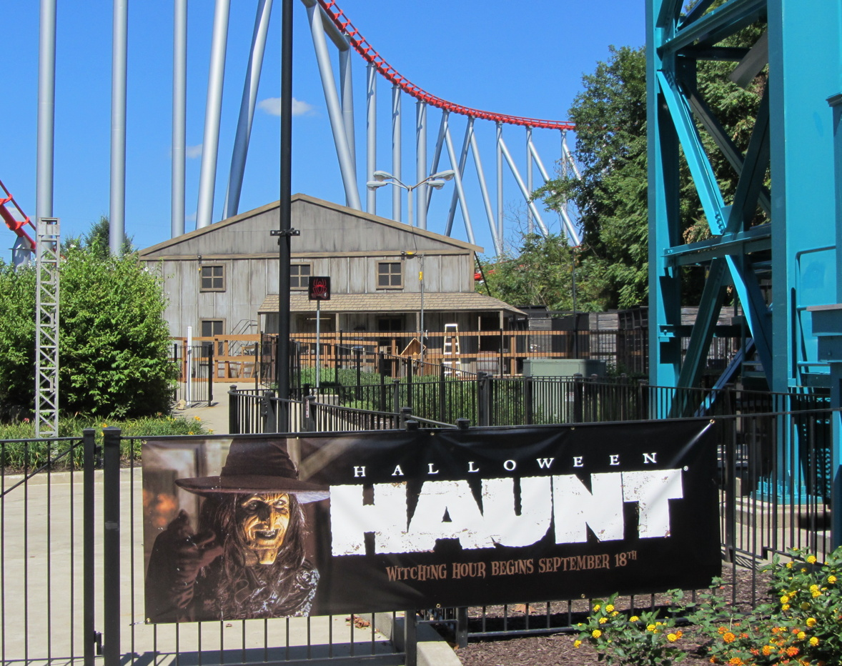 This fall, Dorney Park transforms into a horror-filled nightmare. From mazes with terrifying creatures around every corner to thrill rides that'll haunt your dreams, it's everything you fear and can't wait to .