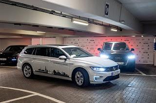 Volkswagen hará posible el aparcamiento autónomo en dos años