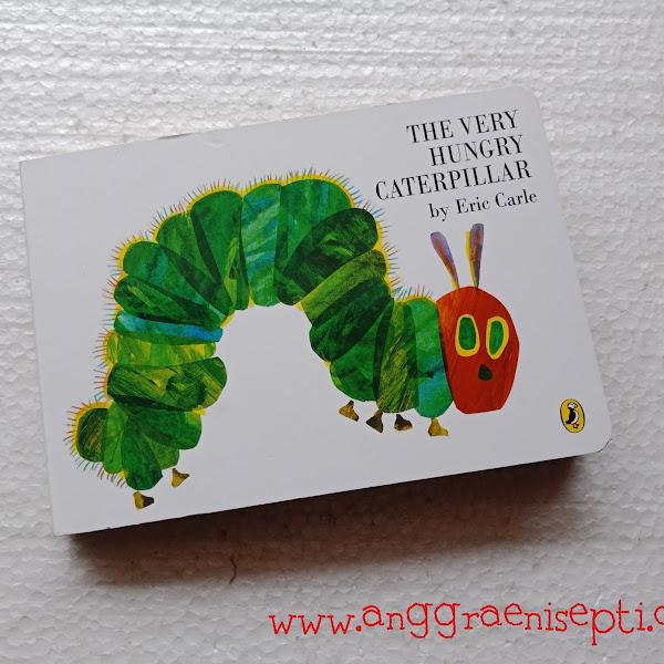 Review Buku The Very Hungry Caterpillar