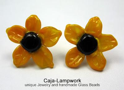 gelbe Glasblumen Ohrstecker