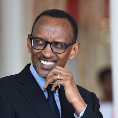 Kagame Awakamata Majenerali Watatu wa Jeshi