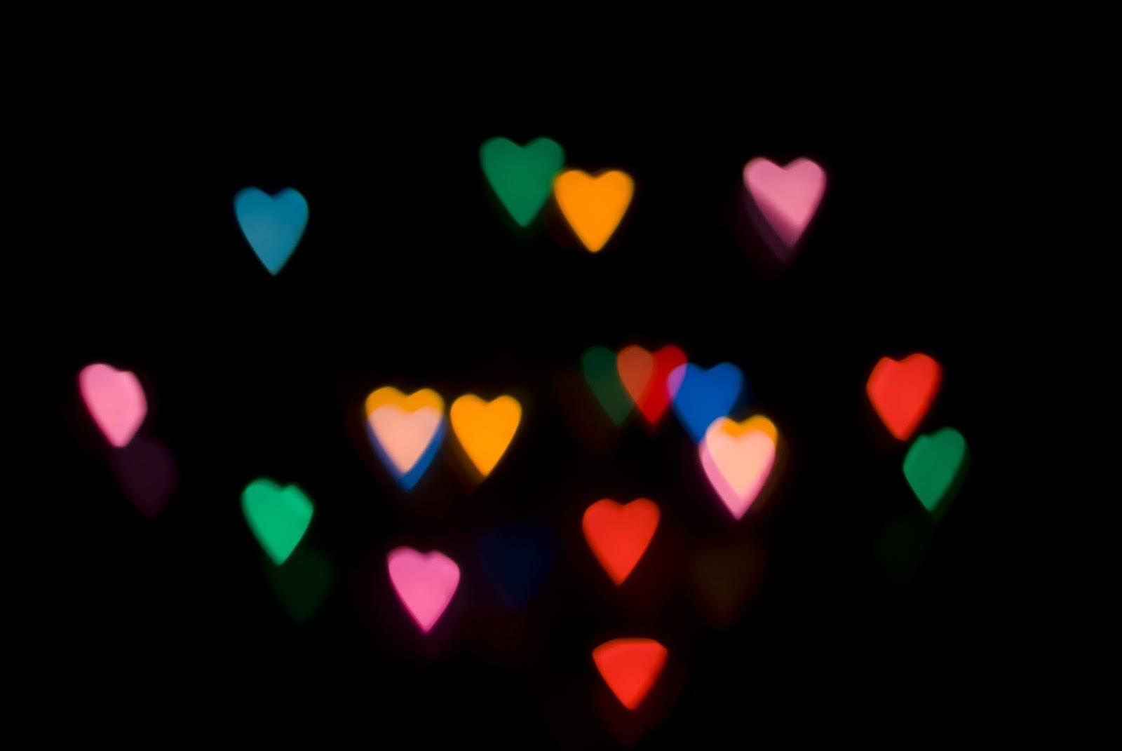 Image De Coeur Fond D Ecran Noir Avec Des Petits Coeurs Colores