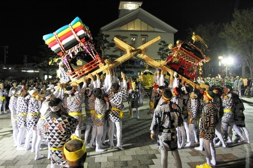 Ton-ten-Ton (parade of palanquins) in Imari City, Saga Pref.