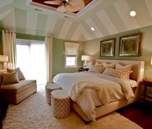 habitación en verde y crema