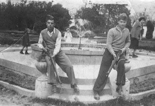 Στέργιος Μπλιάτκας & Ζήσης Μπλιάτκας  25-03-1952