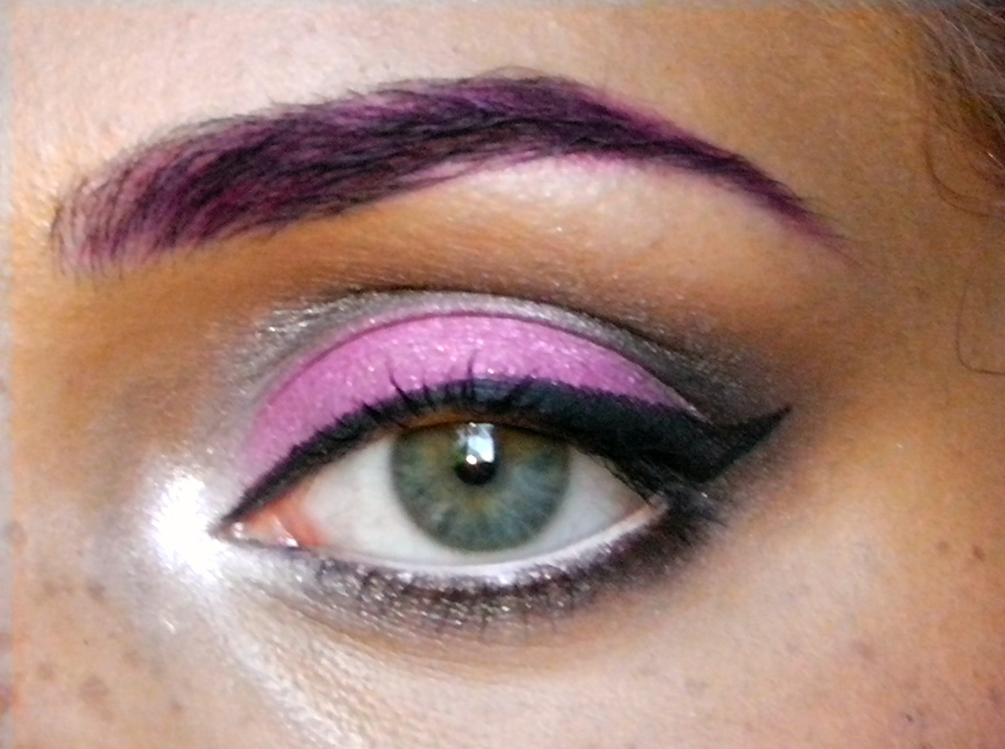 Lizzie Loves Makeup Soft Grey And Pink Smoky Eyes Video Tutorial-2573