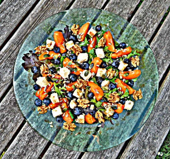 summer salad withcheese