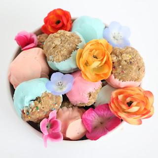 http://www.akailochiclife.com/2016/02/cook-it-no-bake-sunbutter-granola-balls.html
