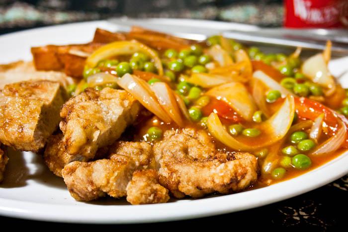 "recipe for hainanese pork chop gravy 2 hungry tummies: Hainanese Pork Chop 海南豬扒 - ""Malaysian Monday"