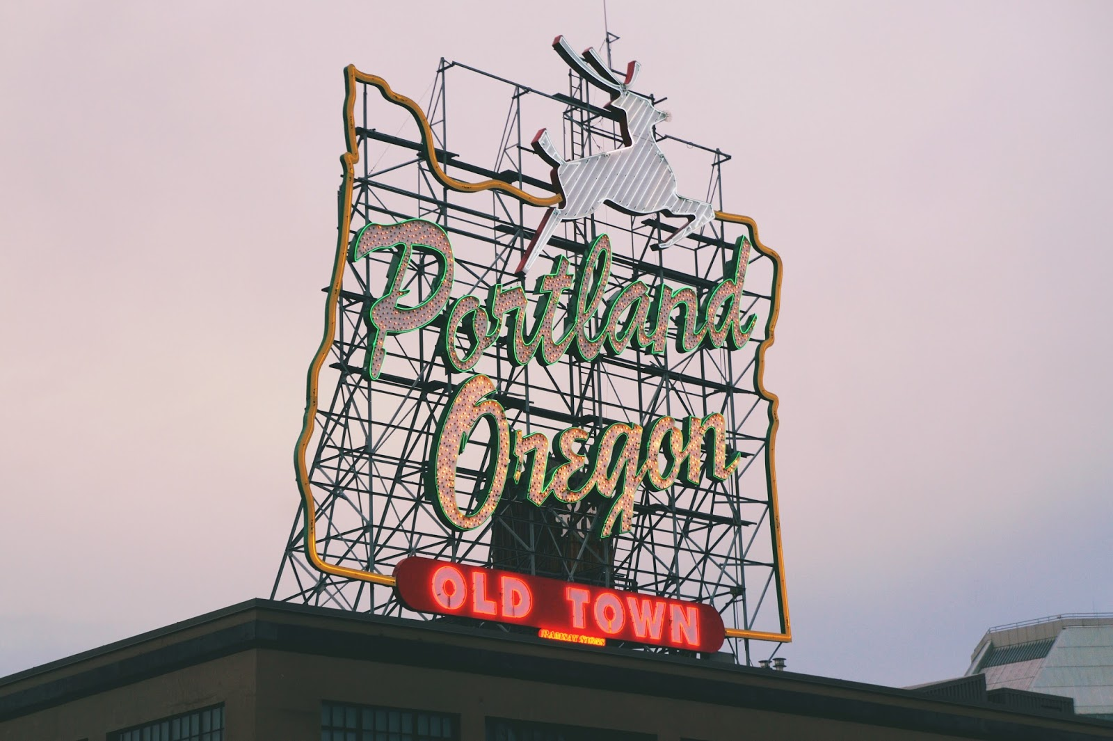 How to Spend 48 Hours in Portland, Oregon: 2 Days in Portland White Stag Sign