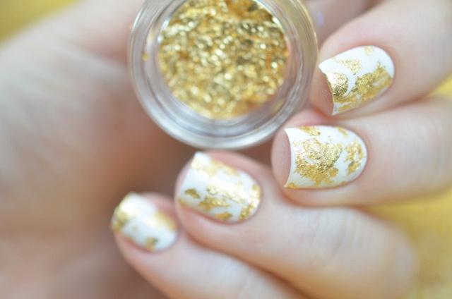Золотая фольга для ногтей 93