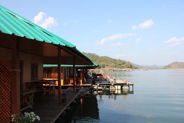 Eakachai houseboat, Mae Ngat dam, Chiang Mai