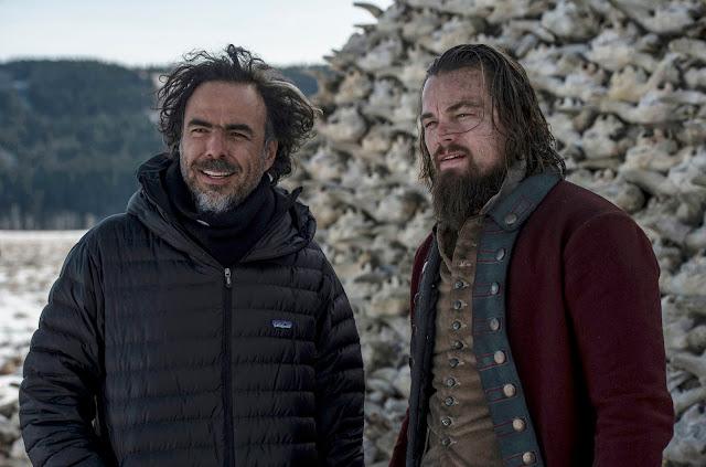 Iñárritu y DiCaprio en un descanso del rodaje