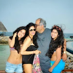 Sridevi and her jhanvi wears bikini